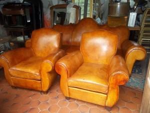 fauteuil club-cuir-dabovilletapissierpau